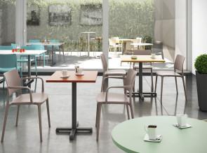 Tables collectivité indoor ou outdoor Riquadra
