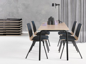 Table pliante Pliana I, pieds ronds. Table empilable par 15 horizontalement