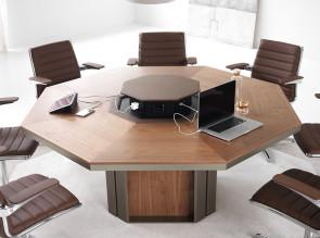 Table de réunion Lloyd octogonale en bois, insert central en cuir avec électrification